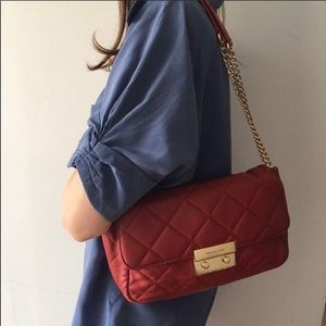 💯AUTH MICHAEL KORS SLOAN QUILTED RED CHAIN BAG 🌟